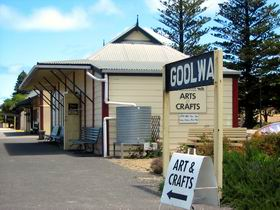 Goolwa Community Arts And Crafts Shop